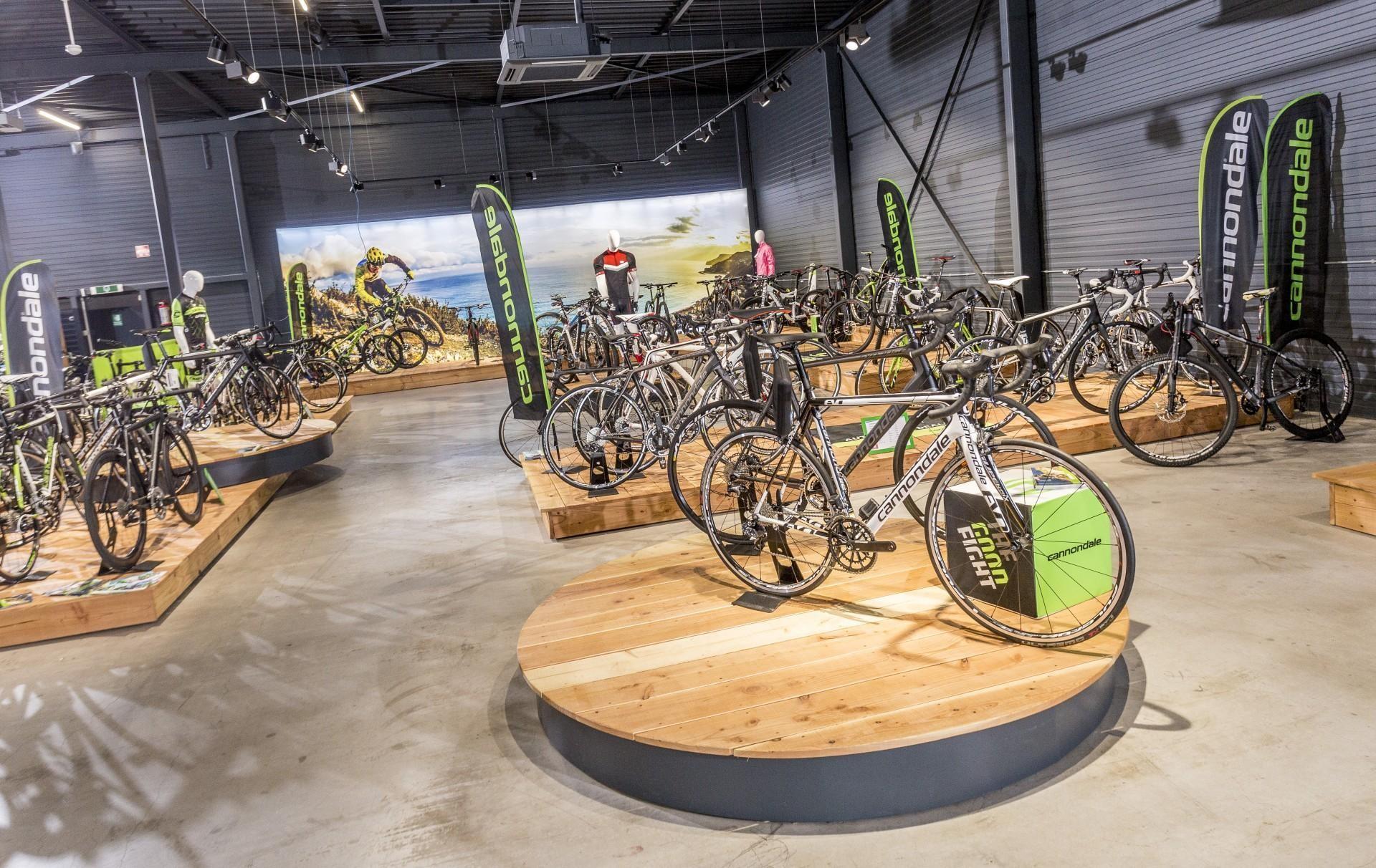 Cycle Center Zaltbommel 1176.jpg