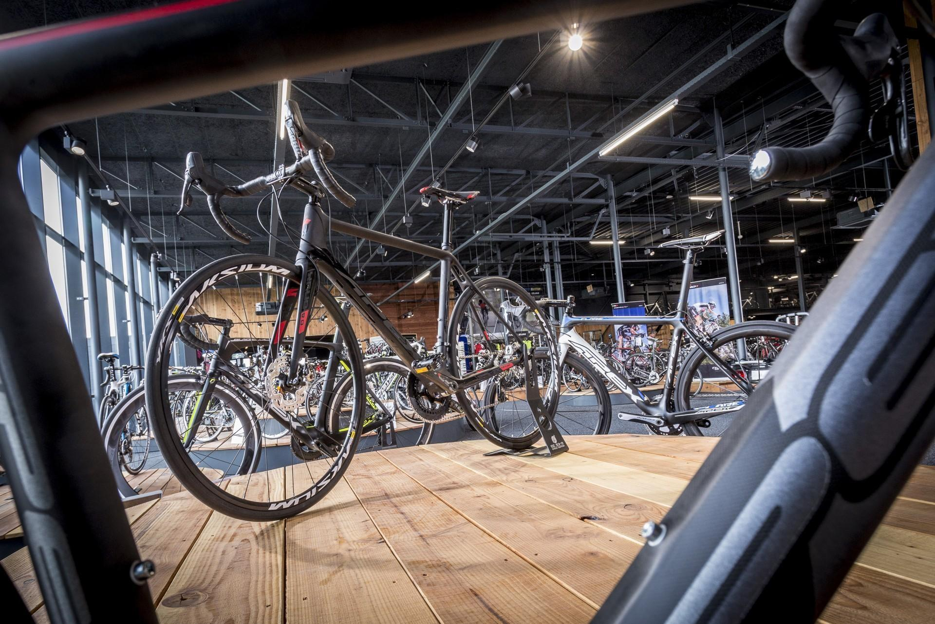 Cycle Center Zaltbommel 1101.jpg